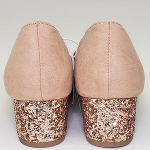 Old Navy Shoes - NWT Old Navy Blush Low Block Glitter Heel SZ 9